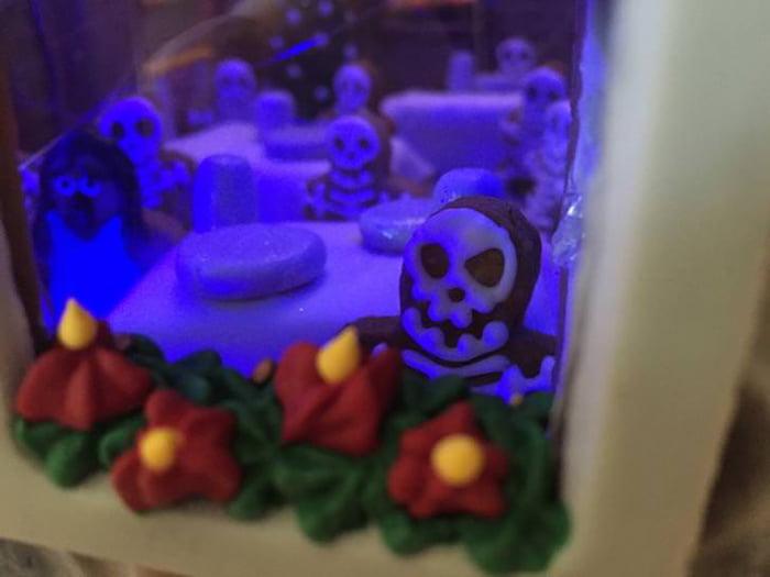 Gingerbread-Overlook-Ghosts-3