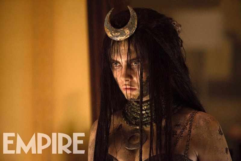 Enchantress (Cara Dellavingne) stares balefully. What are the rules for magic in the DC Cinematic Universe?