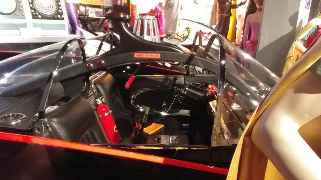 Hollywood-Museum-Batman-66-batmobile-drivers-seat