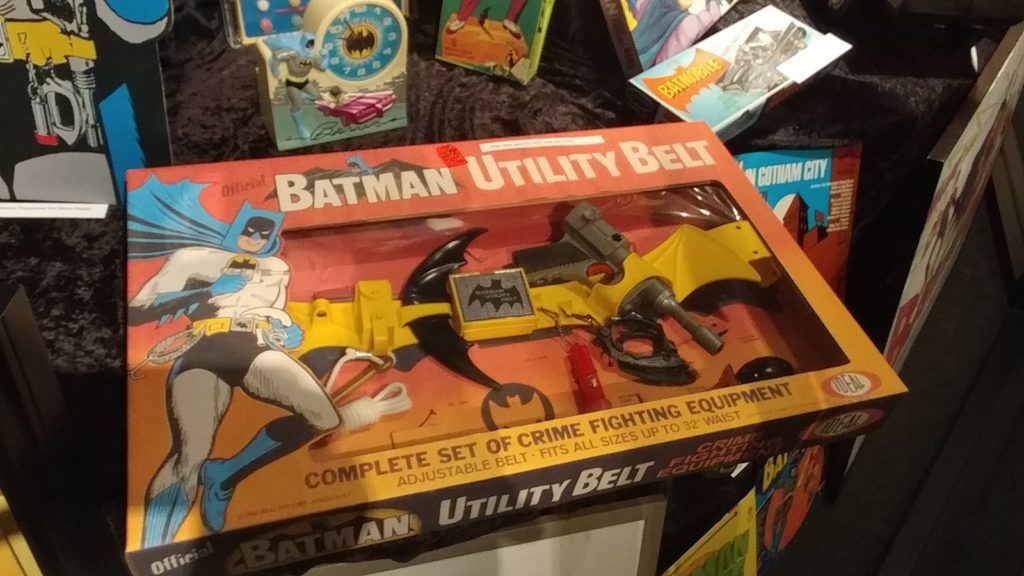 Hollywood-Museum-Batman-66-utility-belt-toy