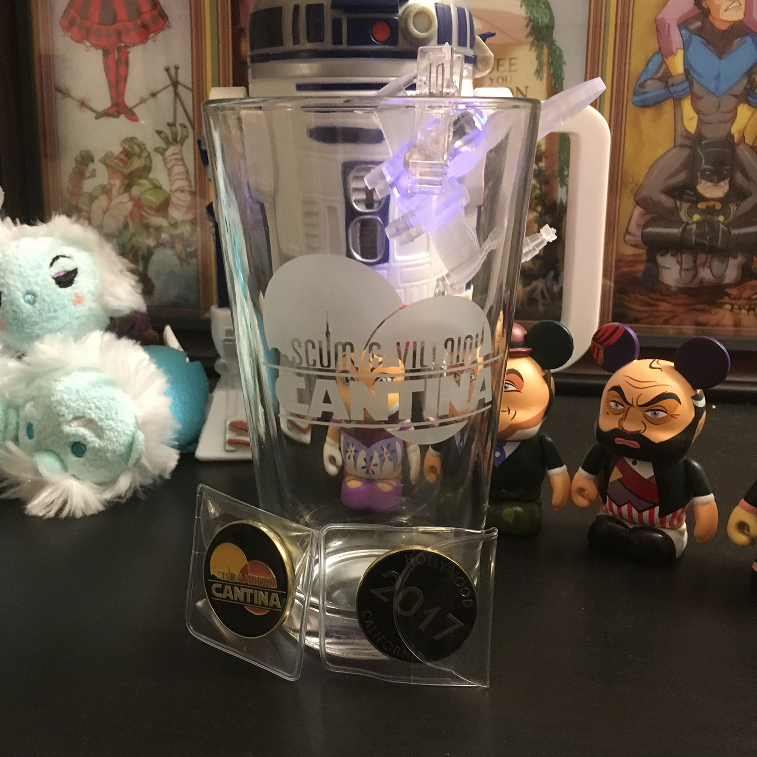 Scum-and-Villainy-tumbler-and-coins