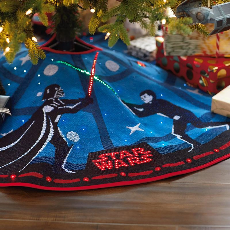 Star-Wars-The-Force-Is-Strong-Tree-Skirt-With-Light-2