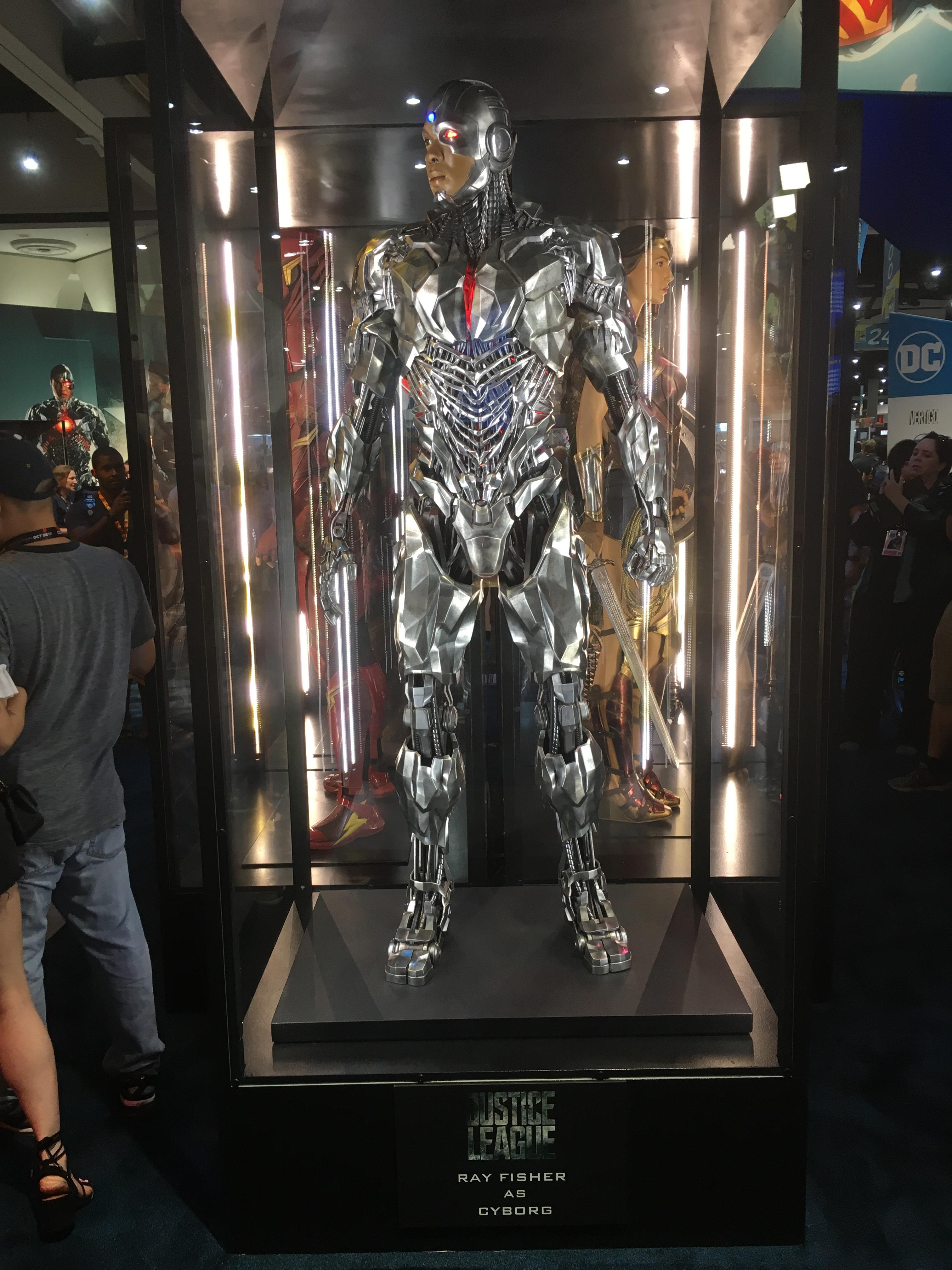 Cyborg-Comic-Con-2017