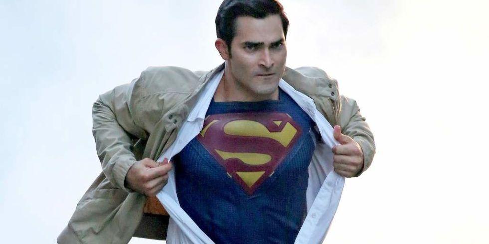 Tyler-Hoechlin-Superman
